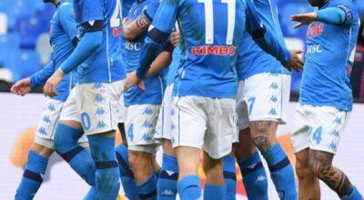 Un gran bel Napoli affonda la Fiorentina e riaggancia la Roma